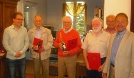 Marius Osswald ,Georg Ruf und Hans-Peter Storz ehrten Hermann Hussy, Walter Schiemer und Wendelin Schwarz.